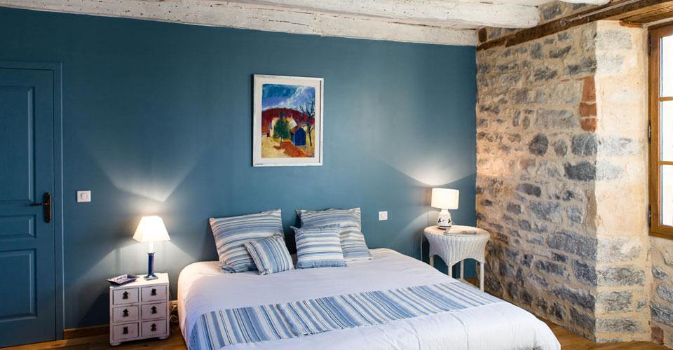chambre d'hôtes de charme gammes bleus doux poutres blanchies